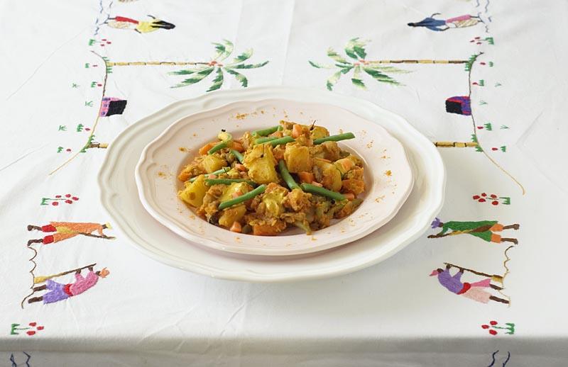 Curry de légumes - Photo Myriam Darmoni et Vincent Deloménie