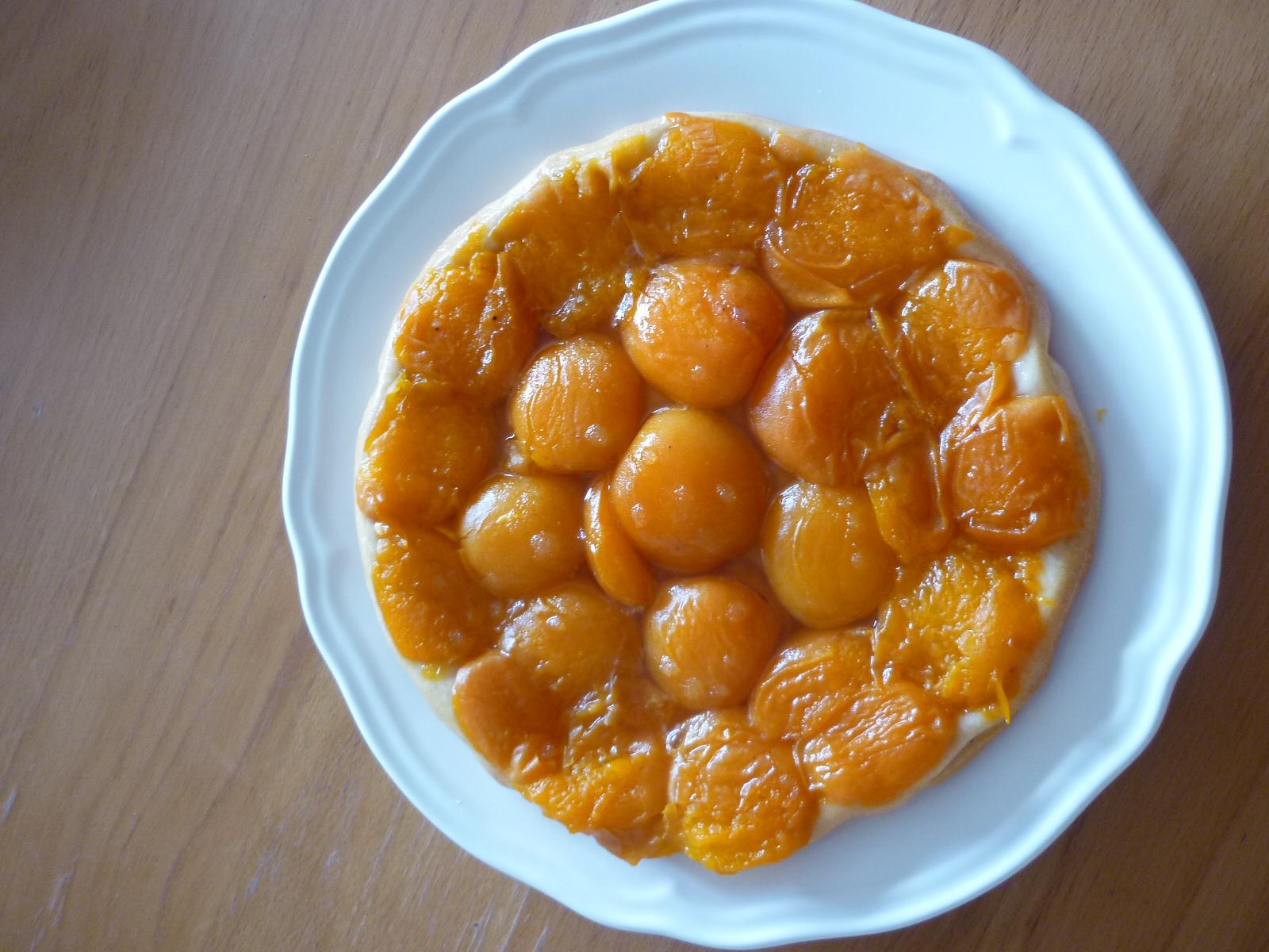 tarte tatin aux abricots toute simple go t de food. Black Bedroom Furniture Sets. Home Design Ideas