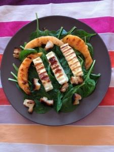Salade d'épinard au melon et fromage grillé - Myriam Darmoni