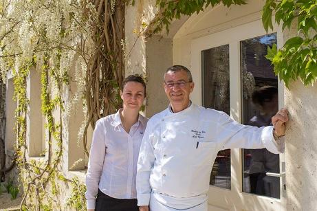 Noémie et Michel Vignaud, père et fille à la tête de l'Hostellerie des Clos, à Chablis