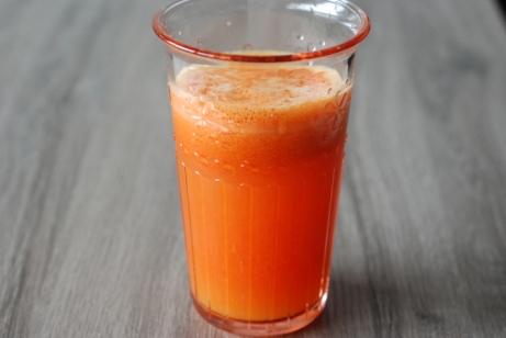 Jus de carotte-orange-poivron