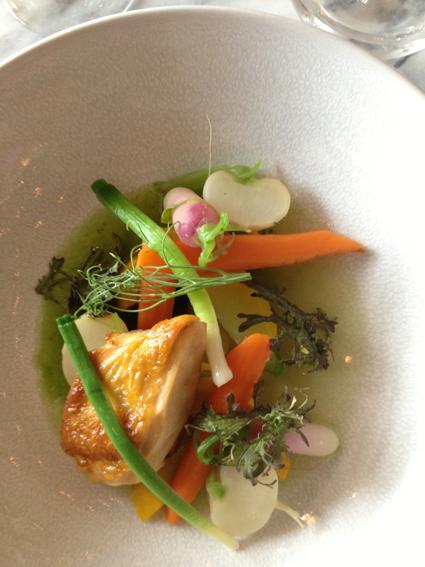 Coretta Volaille légumes de saison, bouillon persillé