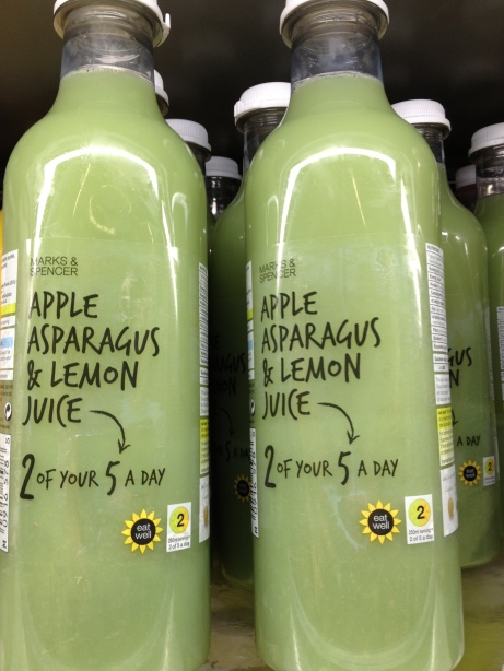 Green Smoothie aux asperges chez Marks And Spencer