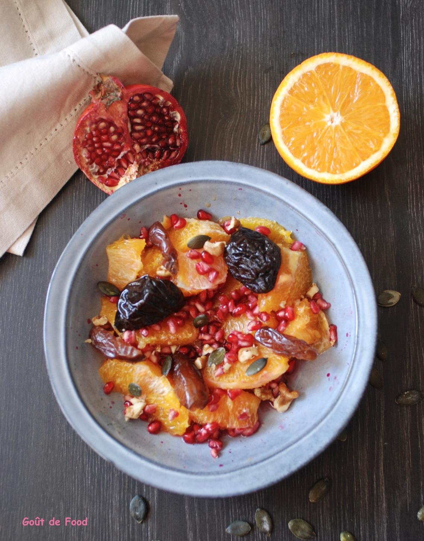 Salade d'orange aux pruneaux, dattes, grenade, noisette et miel, fleur d'oranger